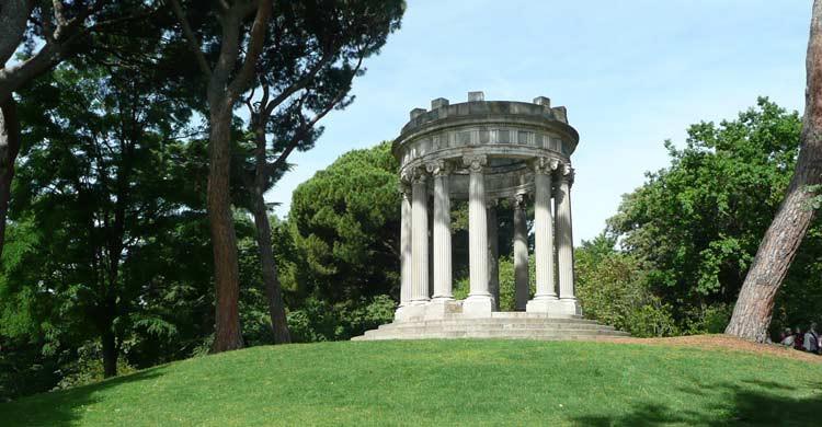 Parque del Capricho (wikimedia.org)