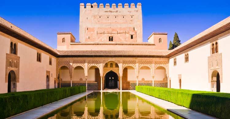 Palacios Nazaríes de la Alhambra de Granada (iStock)