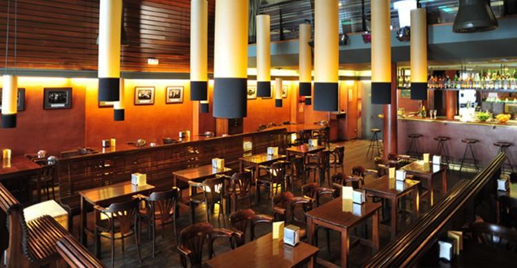 Salón principal de Cafè Salambó (http://www.cafesalambo.com/)