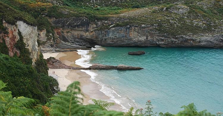 Playa de La Ballota. em1185 (Foter)