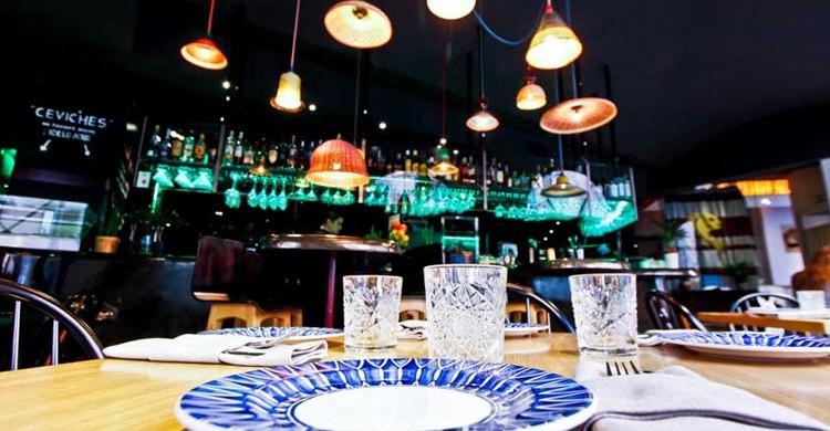 Las mesas. La Cevicuchería (www.lacevicucheria.com)