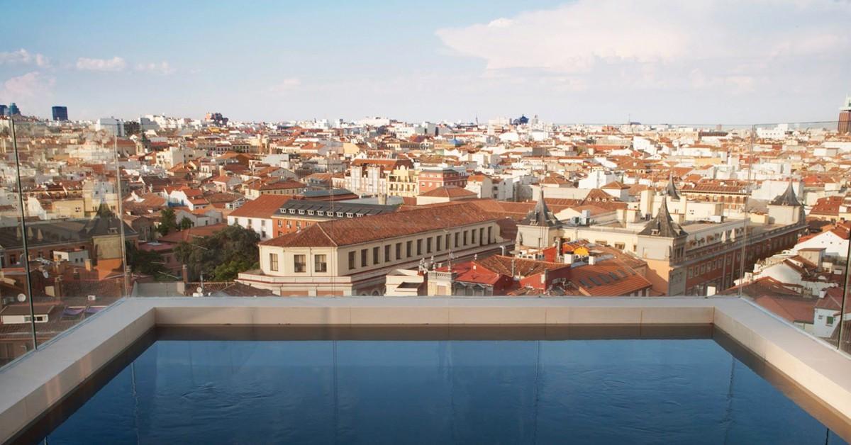 10 hoteles en madrid con piscinas impresionantes el for Hoteles con piscina