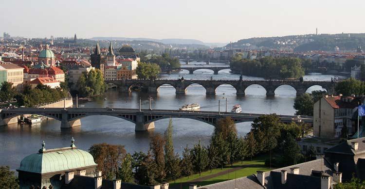 Praga (wikimedia.org)