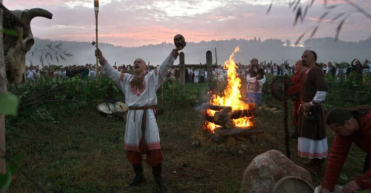 Fiesta del solsticio de verano en Maloyarotslavets, en Rusia. Sergey Ponomarev (Gtresonline)