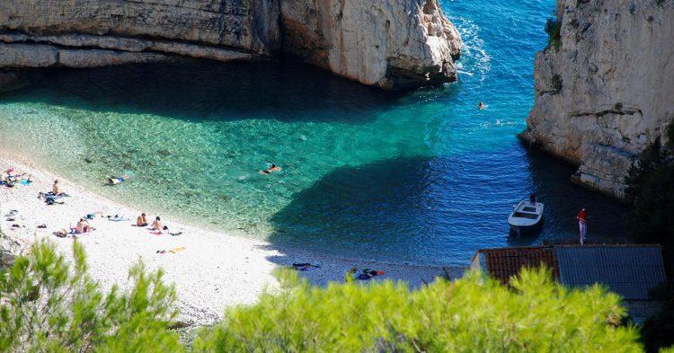 Playa Stiniva de Croacia (Flickr: Miroslav Vajdic)