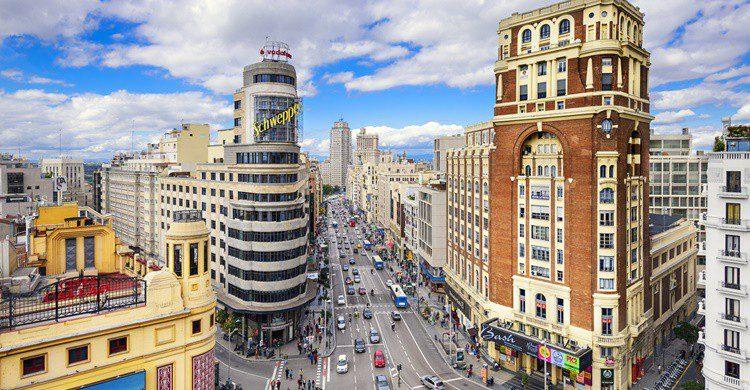 La Gran Vía, en Madrid. Sean Pavone (iStock)