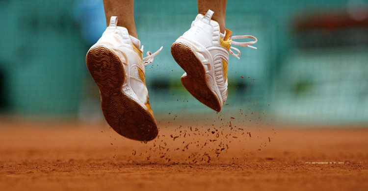 Zapatillas de tenis. Xavier-Cailhol-i-numedia (iStock)