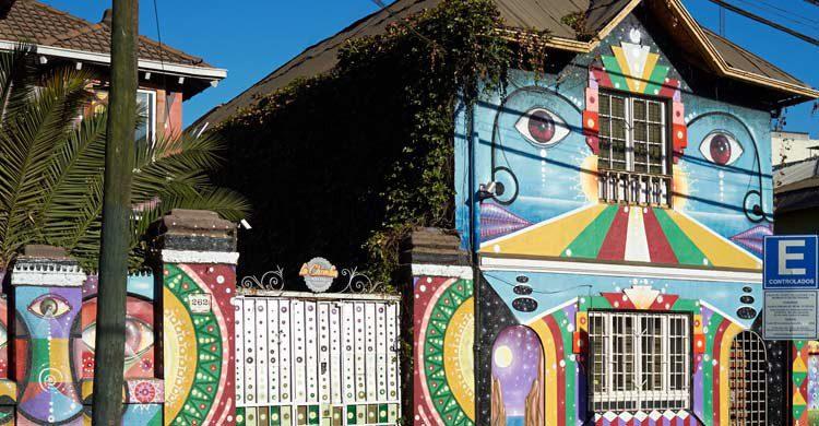 Casa pintada en el Barrio de Bellavista (iStock)
