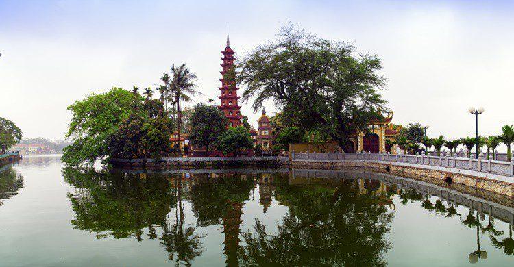 Pagoda en Hanoi. GNNick (iStock)