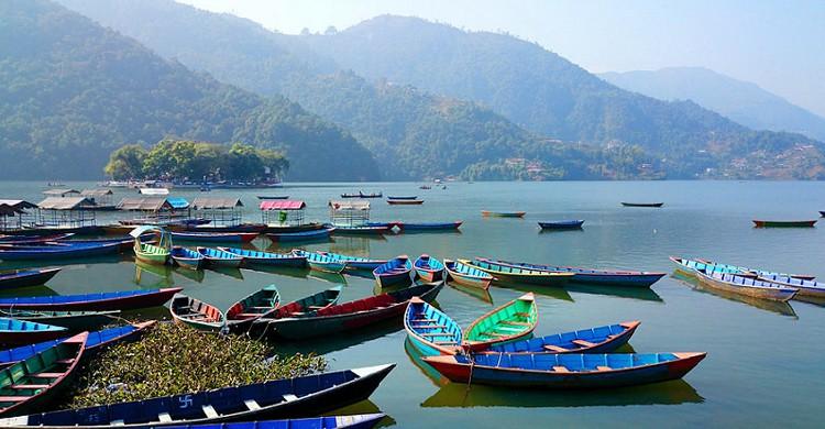 Lago Phewa. Social Tours Nepal (Foter)