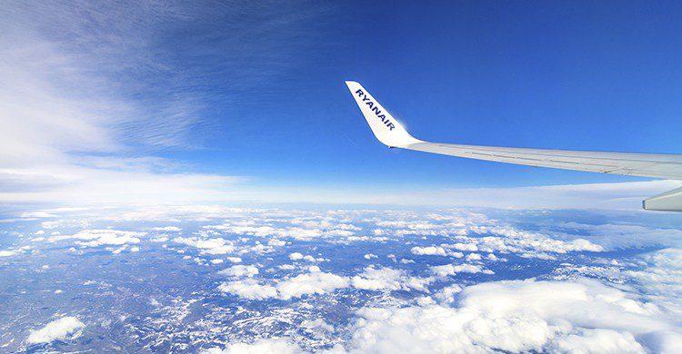 Ryanair es la aerolínea europea que menos equipaje pierde (Istock)