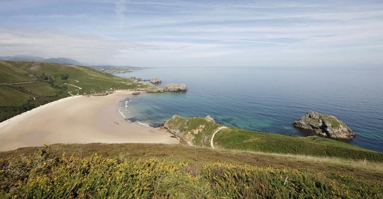 Playa de Torimbia. Valeniker (iStock)