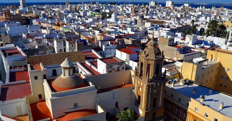 Vistas desde la Torre de Poniente de la Catedral de Cádiz (wikimedia.org)