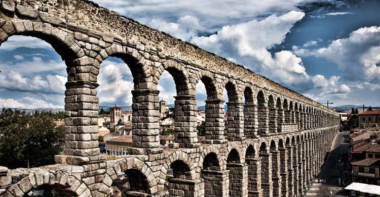 Acueducto de Segovia (wikimedia.org)