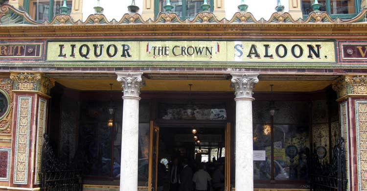Crown Liquor Saloon (iStock)