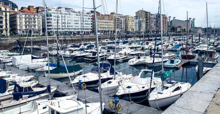 Vista del puerto de Santander (iStock)
