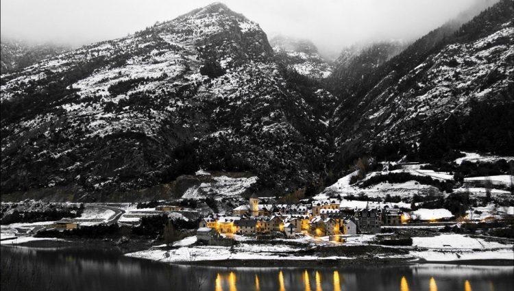 Lanuza bajo la nieve. Vicente Villamón (Flickr)
