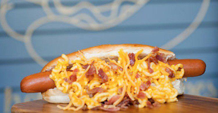 Maura Hotdogs & Crêpes (www.maurahotdogs.com)
