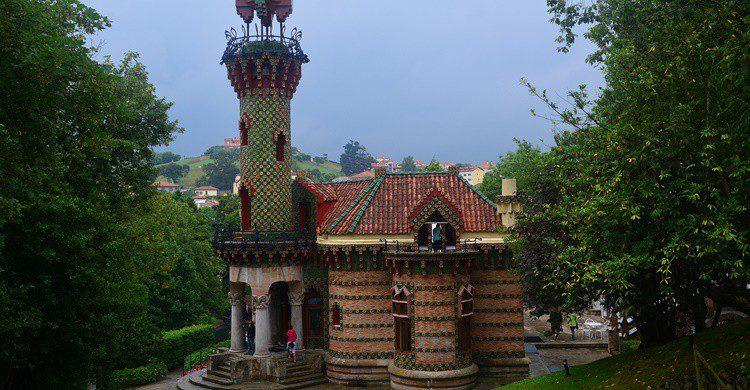 El Capricho de Gaudí en Comillas. Miguel Ángel García. (Flickr)