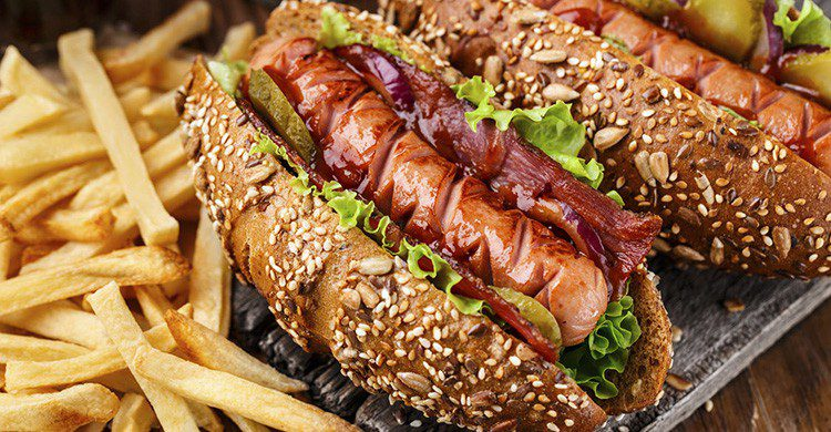 Chicago Hot Dogs (iStock)