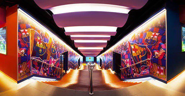 Túnel de vestuarios del Camp Nou (https://www.fcbarcelona.es/tour/comprar-entradas)