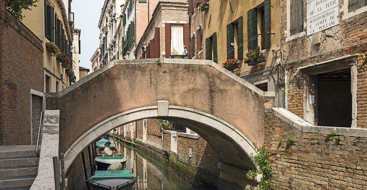 Puente delle Tette. CC BY-SA 4.0 (Wikipedia Creative Commons)
