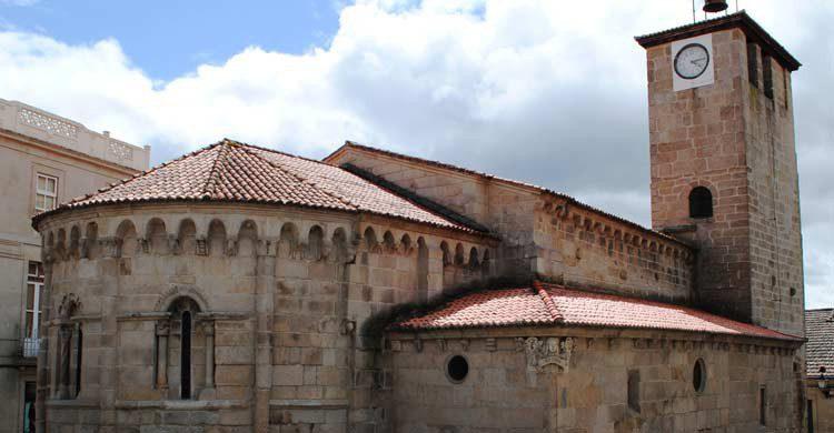 Iglesia de Santiago (wikimedia.org)
