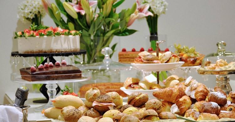 Presentación de dulces y salados (Belgravia Valencia, Facebook)