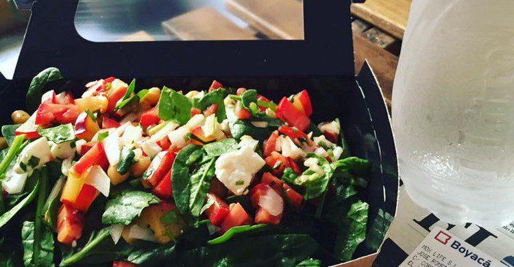 Ensalada del día (MOX - Healthy Food & Drinks, Facebook)