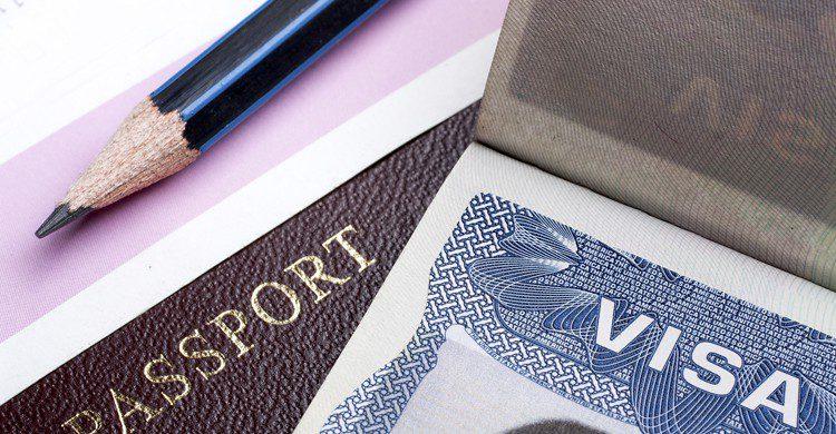 Visa (iStock)