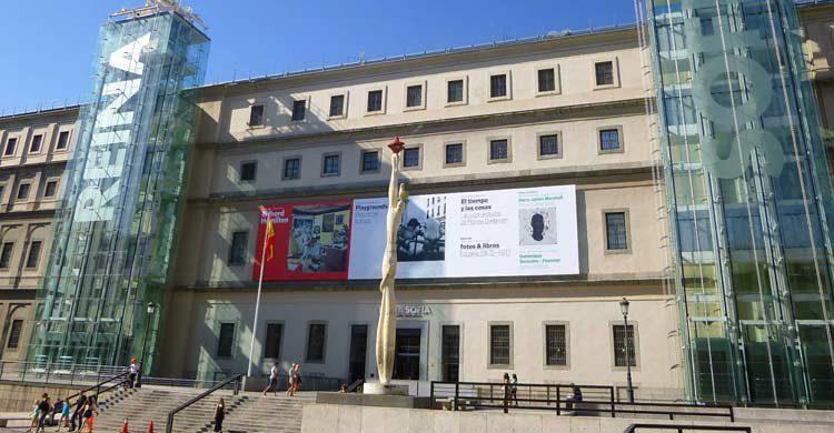 Museo Reina Sofía (wikimedia.org)