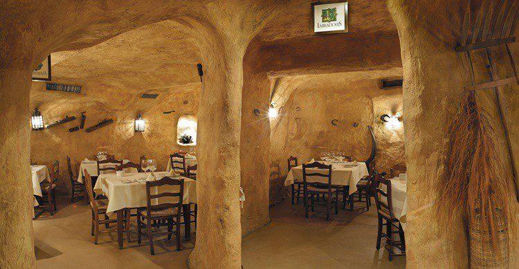 Salones de Ciudadela (http://www.restauranteciudadela.com).