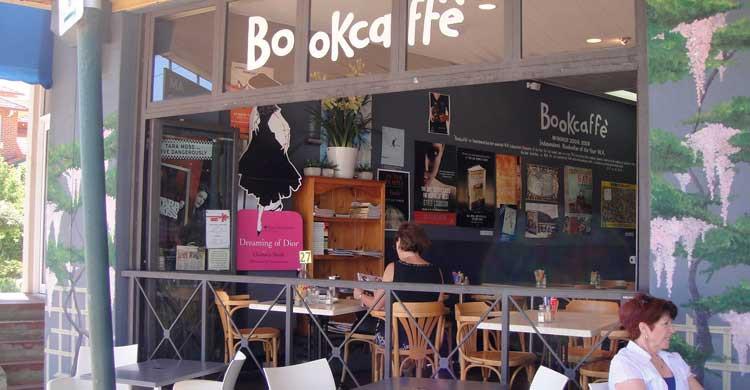 J&J Books and Coffee (jandjbooksandcoffee.com)