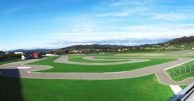 Circuito de karting de Fernando Alonso (http://www.fernandoalonso.com/circuito-de-karting/)
