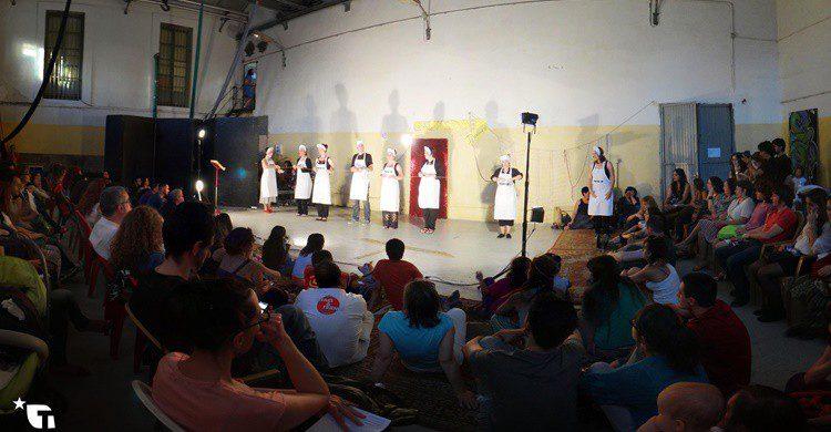 Obra de teatro dentro del edificio. La Tabacalera de Lavapiés (Flickr)