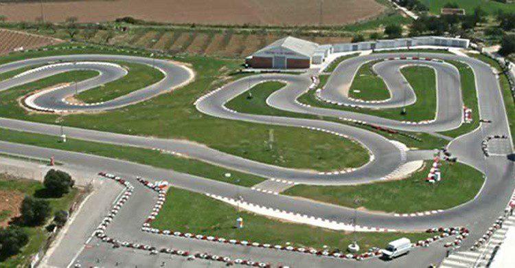 Imagen aérea parcial del circuito (http://kartingvendrell.com/)
