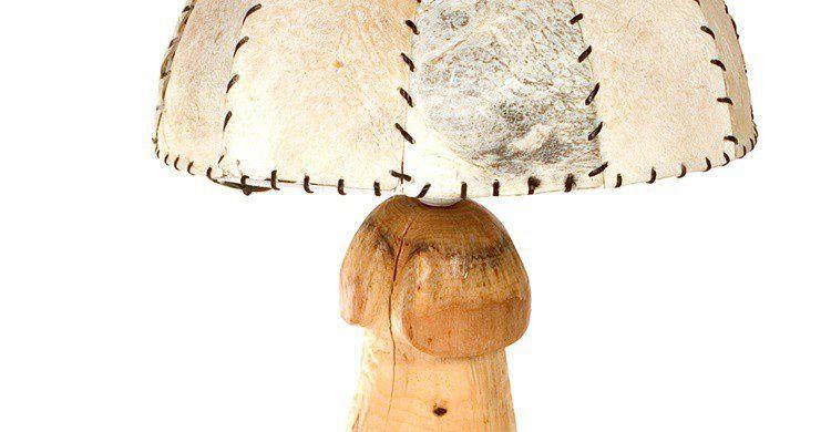Lámpara con pie fálico (http://phallus.is/es/fotos.html)