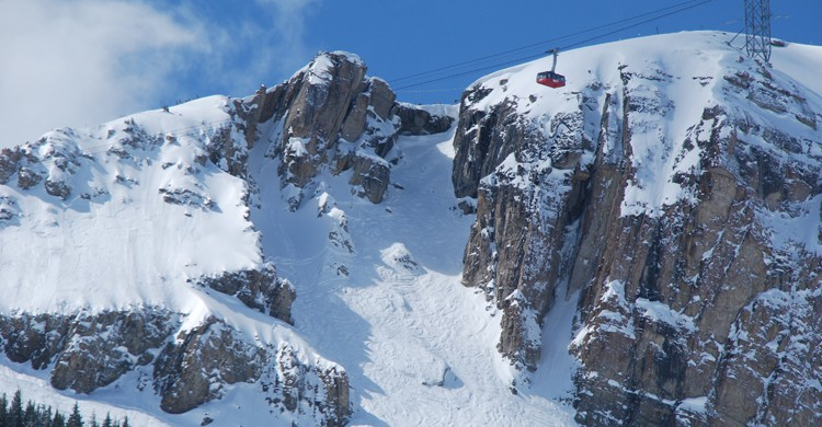 Corbet's Couloir (wikimedia.org)