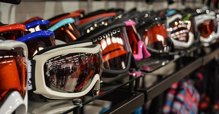 Olvidar las gafas de sol o el protector solar (Pixabay)