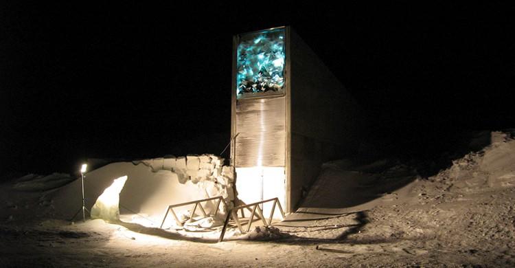 Entrada al bunker (Dag Terje Filip Endresen, Wikimedia)