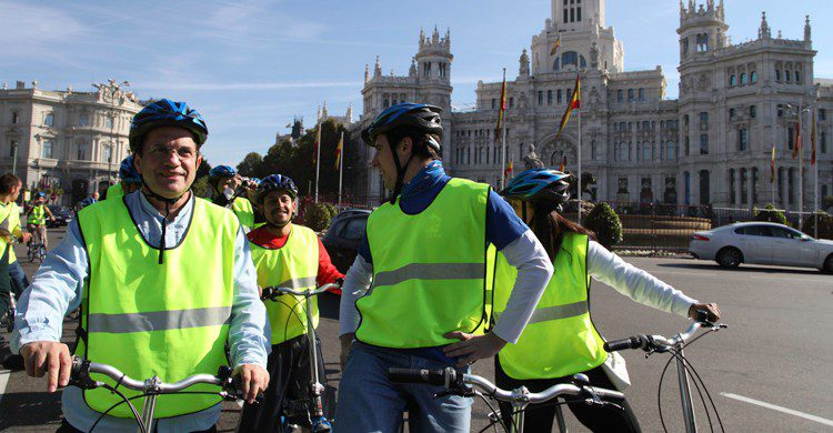 Elige una ruta lo más segura posible para circular en bici (wikimedia.org)