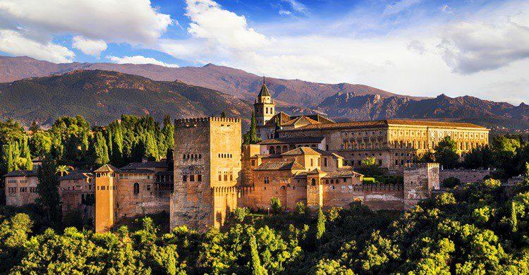 Vista general de la Alhambra de Granada. MarquesPhotography (iStock)