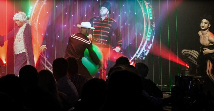 Espectáculo (Cabaret Artishow, Facebook)