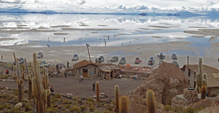 Isla Incahusi (shaman-australis.com/forum/index.php?/topic/39658-have-you-ever-been-to-isla-incahuasi/)