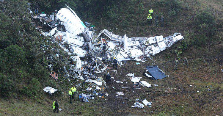 Imagen del avión siniestrado cerca de Medellín en el que viajaba el equipo de fútbol del Chapecoense (Gtresonline)