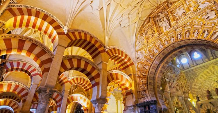 El origen de la Mezquita-Catedral de Córdoba se remonta a finales del siglo VIII (iStock)
