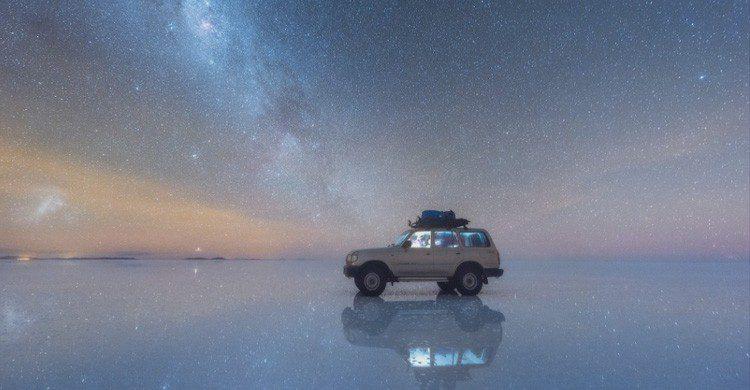 estrellas en el Salar de Uyuni (danielkordan.com/portfolio-item/altiplano_expedition/)