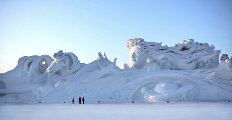 Gran escultura en Harbin (aphotostory, iStock)