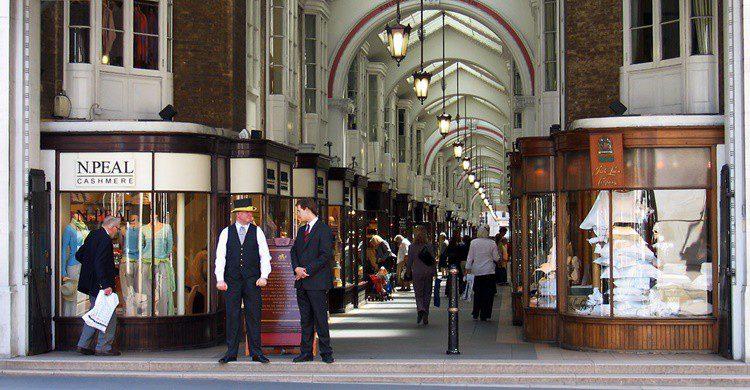 Burlington Arcade. Andrew Dunn (Wikipedia Creative Commons)