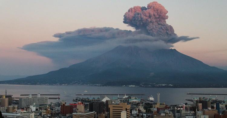 Sakurajima al atardecer (KimonBerlin, Foter)